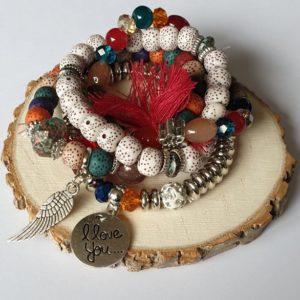 Mooie Armbanden Set met veertje -kleur multicolour